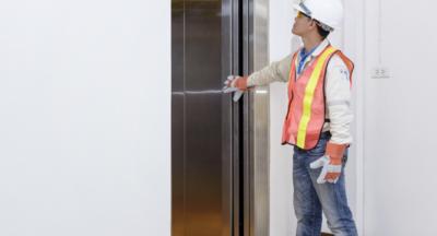 Contrôle à l'unité d'un ascenseur
